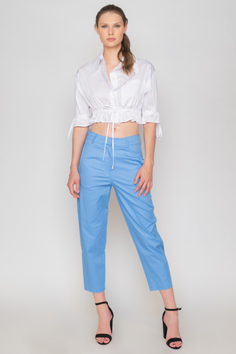 White crop shirt with sleeves