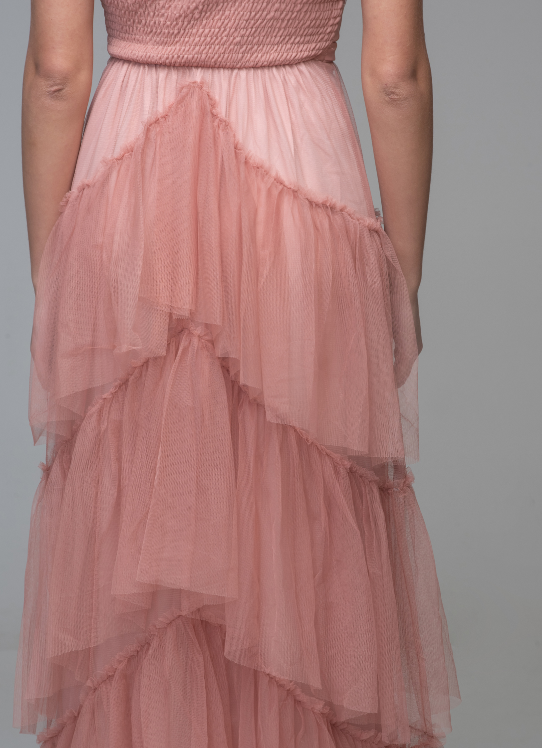 Maxi apricot dress with one shoulder and tulle
