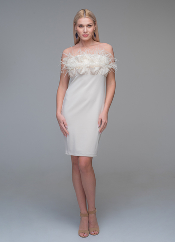 Mini strapless ecru dress with feathers